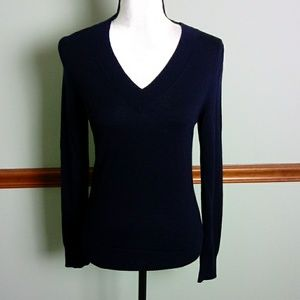 Brooks Brothers size small v-neck sweater